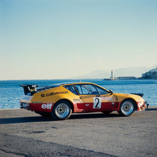 alpine a310 v6 a history in english and italian. Black Bedroom Furniture Sets. Home Design Ideas