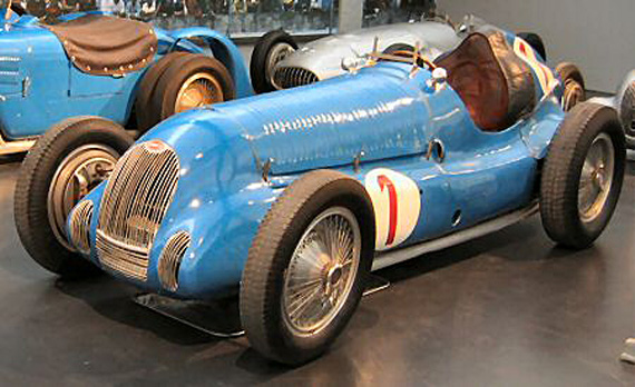 Jean Pierre Wimillie's winning and famous Bugatti T50-50B on display at the National Museum.  Photo unknown.