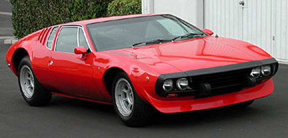 The Bordinat Mangusta had a rubber tipped nose, probably a hint at a bumper that would keep the body lines and still absorb energy, since laws about energy absorbing bumpers were coming up. Ironically Pininfarina's GTC/4 used the same idea in the production car, introduced in 1971.