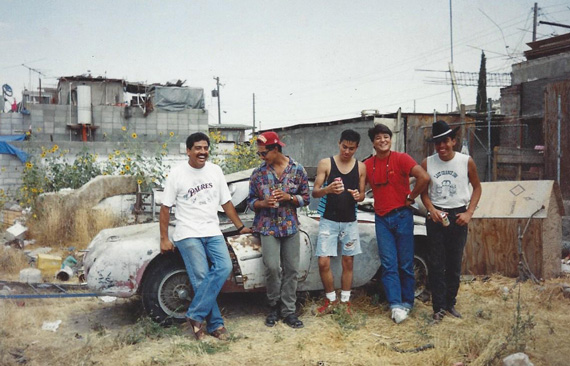 A group of friendly guys who protected the Siata in Mexico.