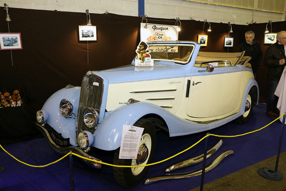 Back to French cars with the 1935 Peugeot 401 D cabriolet.  Produced for only one year, the 401 gave room to the 402 with a completely new aerodynamic shape.