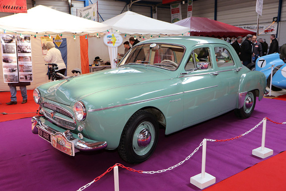 This 1958 Renault Fregate Transfluide has a kind of American style ...
