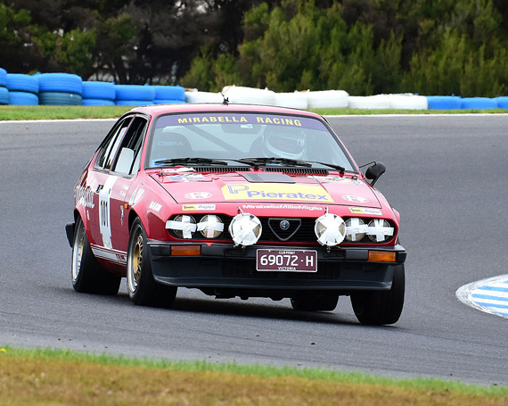 Andrew Cannon 1982 Alfa Romeo GTV6 Group A, turn 6.